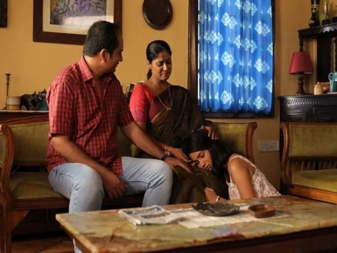Girlz Marathi Movie | 'गर्ल्स'मधली शिस्तीची तितकीच मायाळू 'आई' - देविका दफ्तरदार