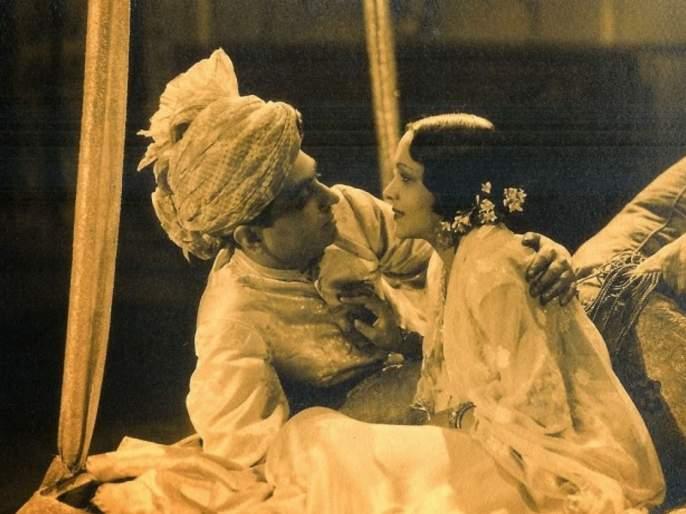 The story of the first onscreen 'Kiss' was given by the actress in 1933 with a 4 minute kissing scene. | किस्सा पहिल्या ऑनस्क्रीन 'किस'चा, १९३३ साली या अभिनेत्रीनं दिला होता ४ मिनिटांचा किसिंग सीन