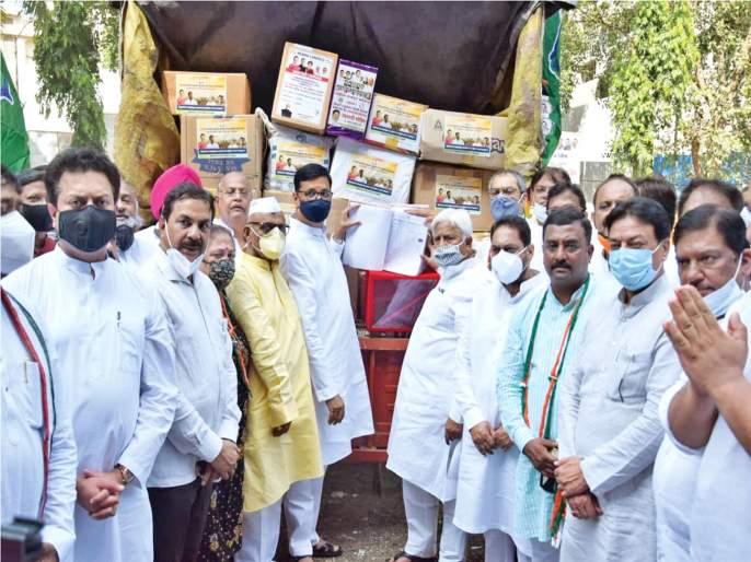 Statement of Congress against agriculture law with 60 lakh signatures   कृषी कायद्याविरोधात काँग्रेसचे राज्यातून ६० लाख सह्यांचे निवेदन