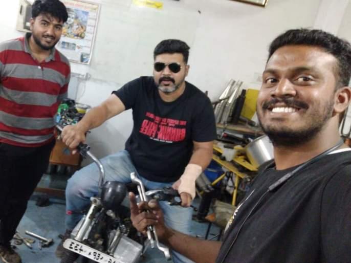 Bajaj Pulsar electric motorcycle Made in Rs 1 lakh | अवघ्या 1 लाखात बजाजची इलेक्ट्रीक पल्सर; जुन्या मोटारसायकलचे रुपांतर