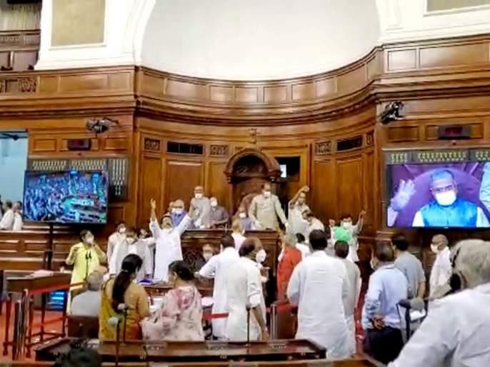 Unprecedented uproar in Rajya Sabha on farmer bill | कृषी विधेयकांवरून राज्यसभेत अभूतपूर्व गदारोळ