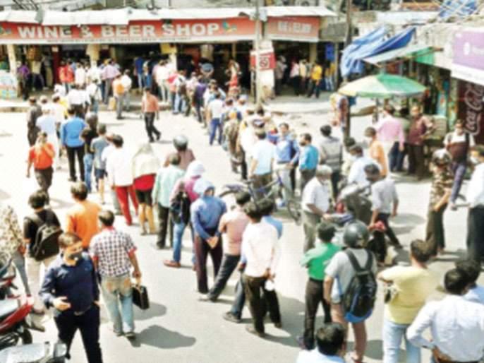 Strict lockdown in Delhi for a week | दिल्लीत आठवडाभर कडक लॉकडाऊन; तळीरामांच्या रांगा