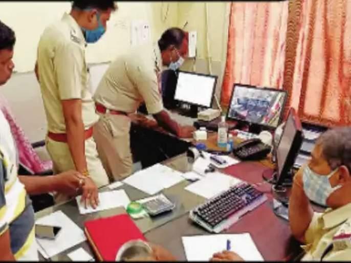 A 10-year-old boy stole Rs 10 lakh from a bank in 30 seconds | बापरे! अवघ्या 10 वर्षांच्या मुलाने बँकेतून 30 सेकंदांत 10 लाख रुपये उडविले; सीसीटीव्ही पाहून पोलीस हादरले