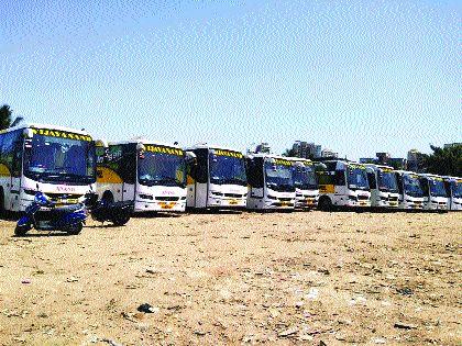 Financial crisis facing private passenger transporters | खासगी प्रवासी वाहतूकदारांसमोर आर्थिक संकट