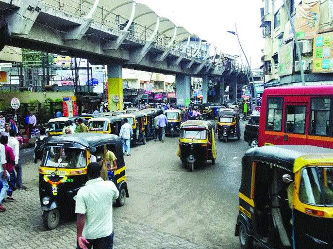 rickshaws got after 50 days appointment for 'passing'   'पासिंग'साठी रिक्षाचालकांची परवड