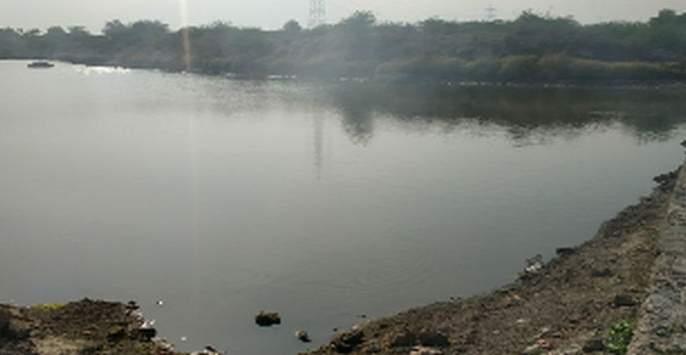 Water in the dam but water shortage in the village | धरणात पाणी मात्र गावात पाणीटंचाई