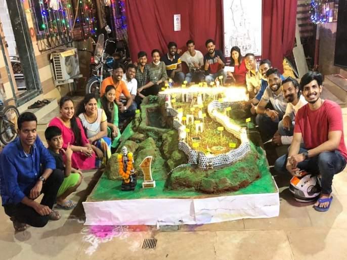 Glorious! First prize to a replica of Dharur's neglected fort   गौरवास्पद ! धारूरच्या दुर्लक्षित किल्ल्याच्या प्रतिकृतीला पहिले बक्षीस