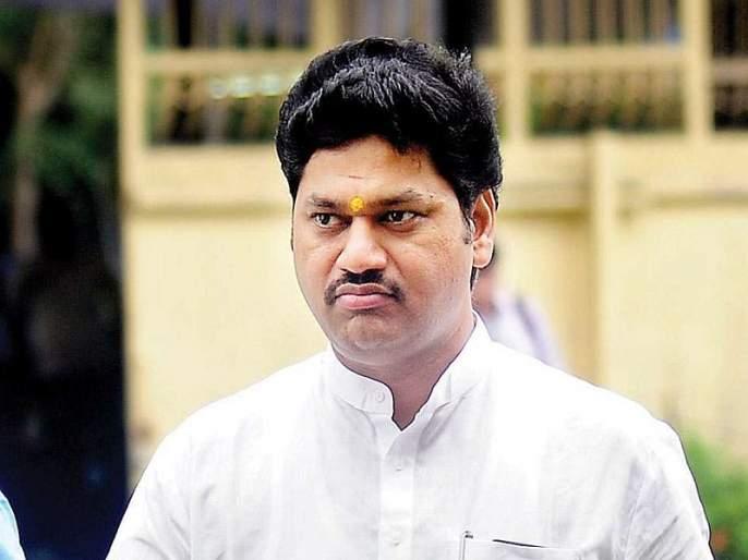 Take back the history of Shivaji Maharaj in the 4th std ... Dhananjay Munde warn to government | अभ्यासक्रमात शिवाजी महाराजांचा इतिहास परत घ्या अन्यथा... धनंजय मुंडेंचा इशारा
