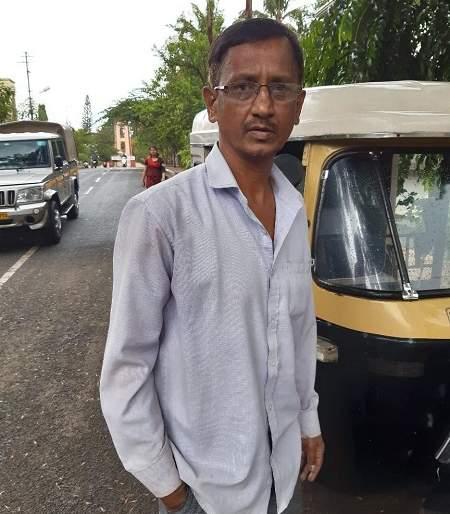 23 rupees fine of Rs. 2700 fine, action taken on rickshaw puller | २३ रुपयांच्या लालसेपोटी २७०० रुपये दंड, रिक्षाचालकावर कारवाई