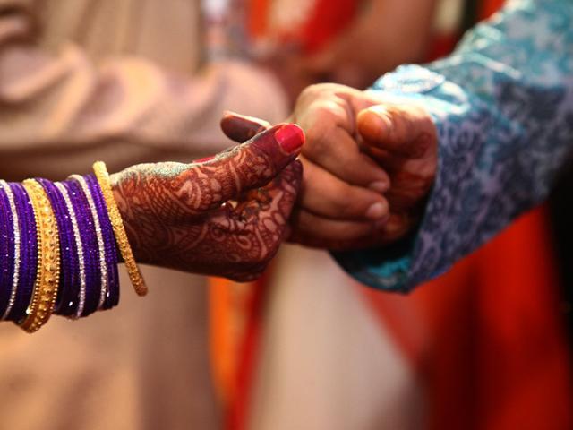 The money demand to second wife for the divorce of the first wife in amravati, crime news | पहिल्या पत्नीशी घटस्फोट घेण्यासाठी दुसरीला पैशांची मागणी