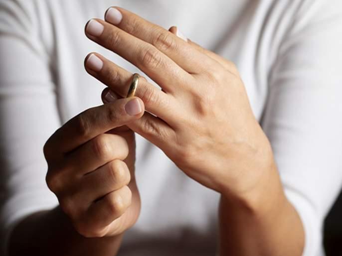 Husband-wife quarrel escalated; divorce cases increased because of coronavirus | कोरोनामुळे घडी विस्कटली; नवरा-बायकोची भांडणे वाढली