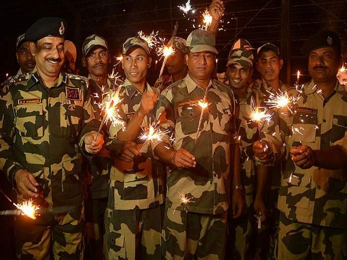 Diwali sweets Sent to army man 2500 stranded containers | जवानांसाठी पाठविले २५०० फराळांचे डबे