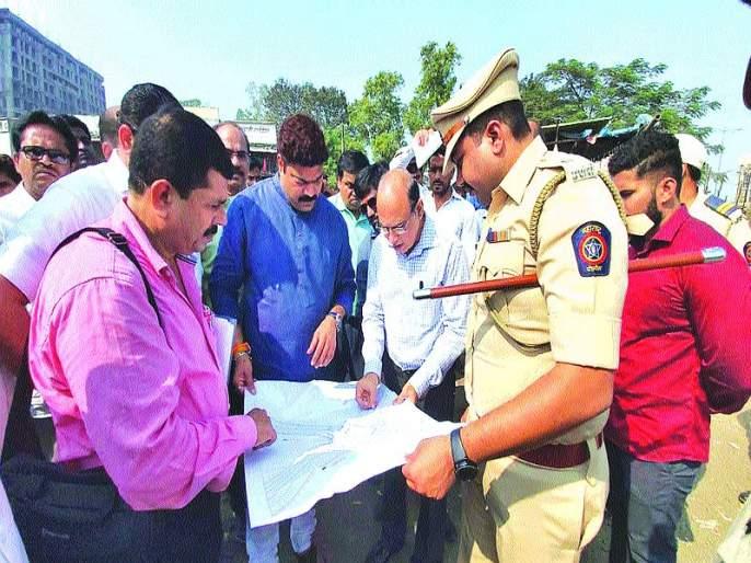 The Kalyan-Sheal canal will be released within a month; MNS MLA Raju Patil with officials | कल्याण-शीळवरील कोंडी महिनाभरात सोडवणार;मनसे आमदारांनी अधिकाऱ्यांसह केली पाहणी