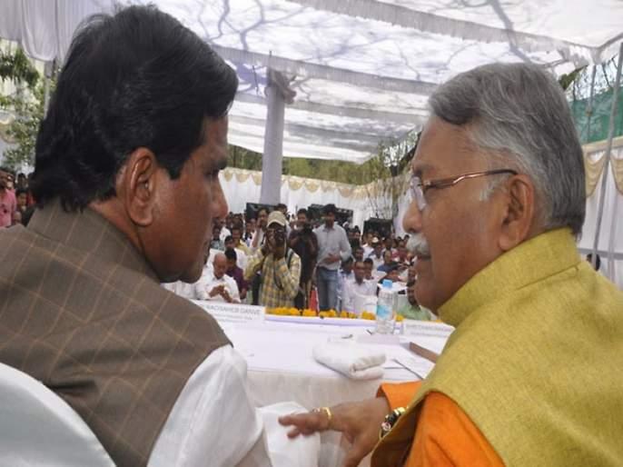 Democracy does not follow the religion of the Alliance, complaint from Khair to help Javai Harshvardhan Jadhav   दानवेंनी युतीचा धर्म पाळला नाही, जावई हर्षवर्धन जाधवांना मदत केल्याची तक्रार