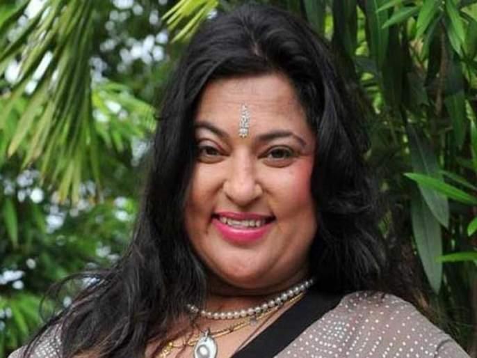 Dolly Bindra again in Bhopal; Filed in Khar police station | पुन्हा डॉली बिंद्रा वादाच्या भोवऱ्यात; खार पोलीस ठाण्यात गुन्हा दाखल