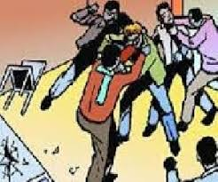 Malkapur: Two groups of Baradari stoned after a dispute | मलकापूरातील बारादारीत दोन गटात वादानंतर दगडफेक