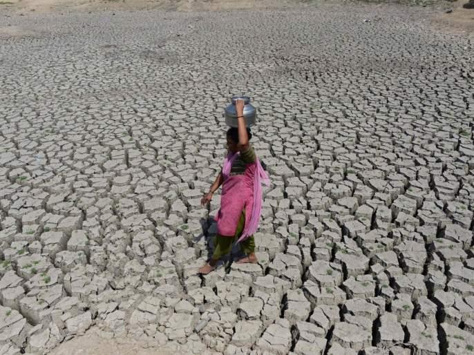 after the end of Lok Sabha elections, the drought survey competition starts in the political parties in Aurangabad   लोकसभा निवडणुका संपताच राजकीय पक्षांत दुष्काळ पाहणीची स्पर्धा
