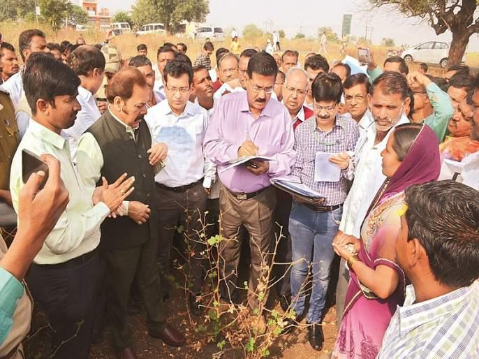 officers poor reply on drought relief to central inspection squad in Parbhani | परभणीत दुष्काळी उपाययोजनांवरून अधिकाऱ्यांची उडाली भंबेरी