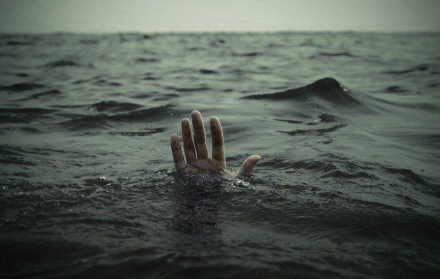 The body of a woman was found on the beach behind Haji Ali police station | खळबळ! हाजी अली पोलीस चौकीमागे समुद्रकिनारी आढळला एका महिलेचा मृतदेह