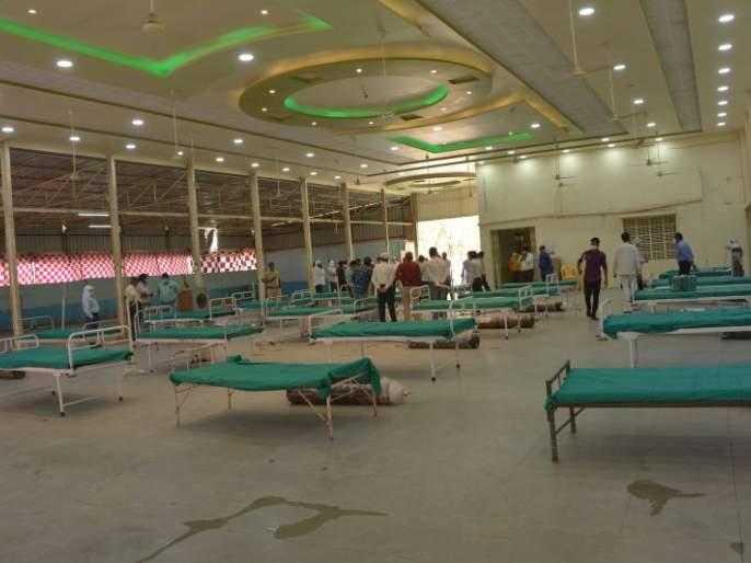 Akola Zilla Parishad has started a 50-bed Covid Center   अकाेला जिल्हा परिषदेने सुरू केले ५० खाटांचे काेविड सेंटर