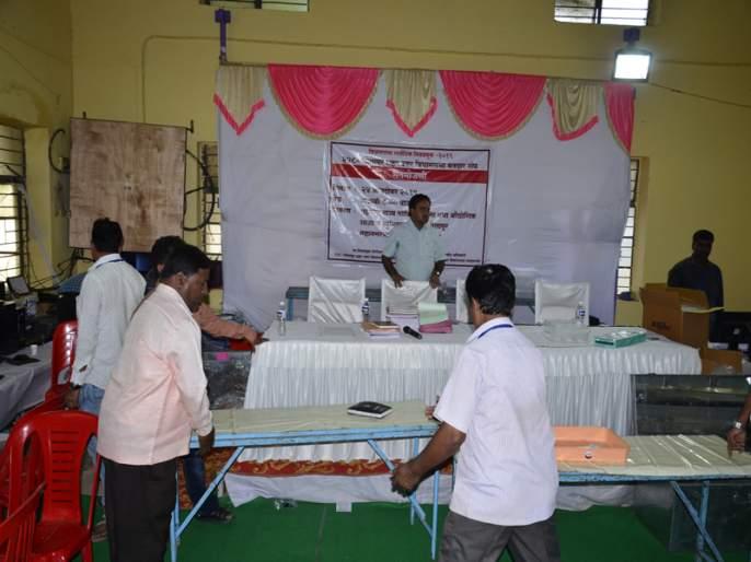 solapur Election Results 2019: voting program solapur district assembly constituency, Maharashtra vidhan sabha election Results 2019 | सोलापूर विधानसभा निवडणूक ; पहिल्या फेरीचा निकाल येणार सकाळी साडेआठला