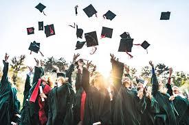 ugc-approves-dual-degrees-provision-for-college-students | दोन शाखातल्यादोन पदव्या, एकाच वर्षी घेता येणं आता शक्य आहे !