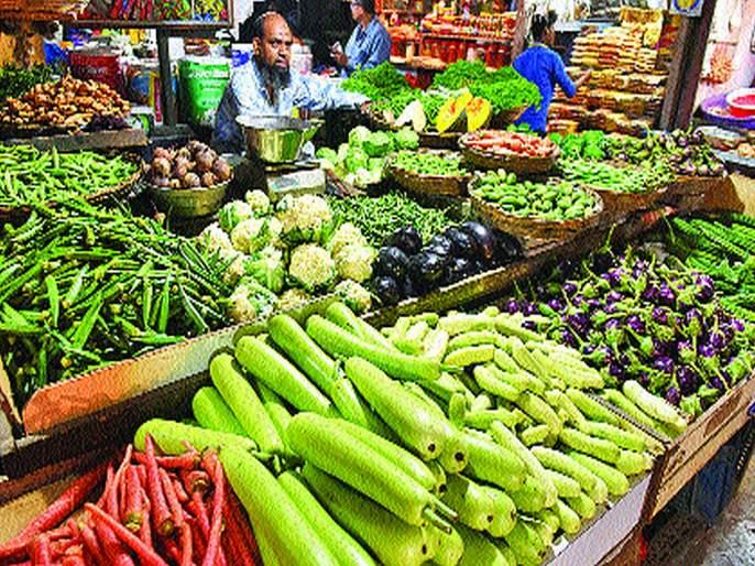 After the onion, the veggies crossed the 100 rs price   कांद्यानंतर वांगी, भेंडीच्या दराने शंभरी ओलांडली