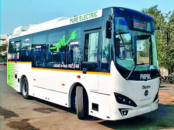 E-bus will start without CM after criticism   टीकेनंतर मुख्यमंत्र्याविना सुरू होणार ई-बस