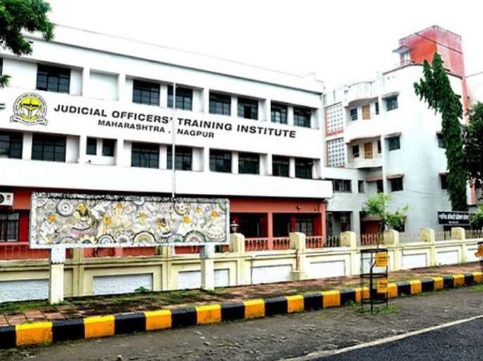 The first court e-resource center in the country at Nagpur | देशातील पहिले कोर्ट ई-रिसोर्स सेंटर नागपुरात
