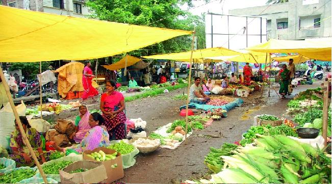Gol - Ichalkaranji Nagarpalika: The decision is pending with the report | बाजार कर घोटाळाप्रकरणी कारवाई गुल - इचलकरंजी नगरपालिका : अहवाल मिळूनही निर्णय प्रलंबित