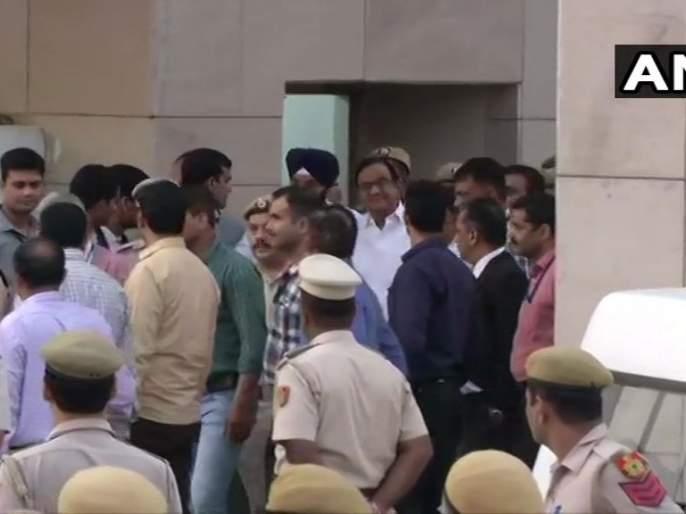 Chidambaram in CBI custody till August 26; Family meet allowed 30 minutes a day   26 ऑगस्टपर्यंत चिदंबरम सीबीआय कोठडीत; दिवसाला 30 मिनिटे कुटुंबीयांना भेटण्याची परवानगी