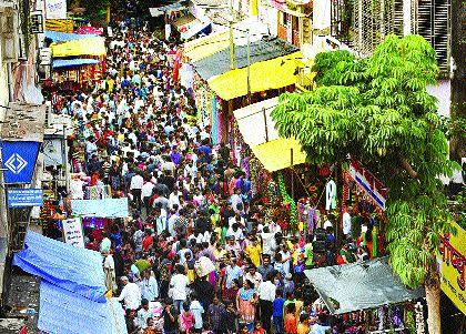 Ganpati decorated the market with decorative materials | गणपती सजावट साहित्याने मार्केट सजले