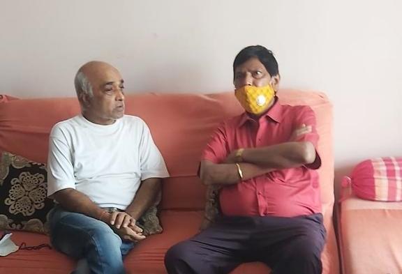 Madan Sharma will try for Y Plus security, Ramdas Athavale visited | मदन शर्मा यांना 'Y प्लस' सेक्युरिटी देण्यासाठी प्रयत्न करणार, आठवलेंनी घेतली भेट