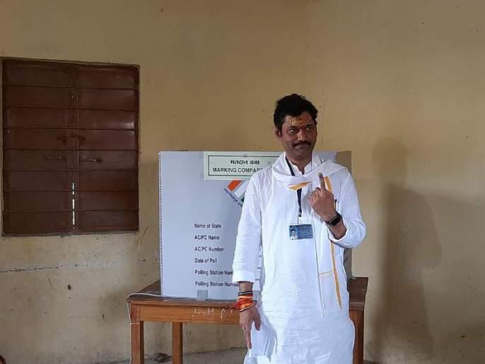 Maharashtra Elections 29: The type of sympathy was revealed to the public Says Dhananjay Munde | महाराष्ट्र निवडणूक २०१९: 'परळीत घड्याळाचा गजर होणार; सहानुभूती मिळविण्याचा प्रकार जनतेसमोर उघड झाला'