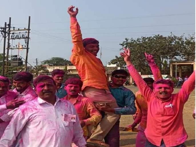 Voters voted for the youth; 30% young stewards in Gram Panchayats of the Aurangabad district | तरुणांचा मातब्बरांना धोबीपछाड; जिल्ह्यातील ग्रामपंचायतींत ३० टक्के तरुण कारभारी