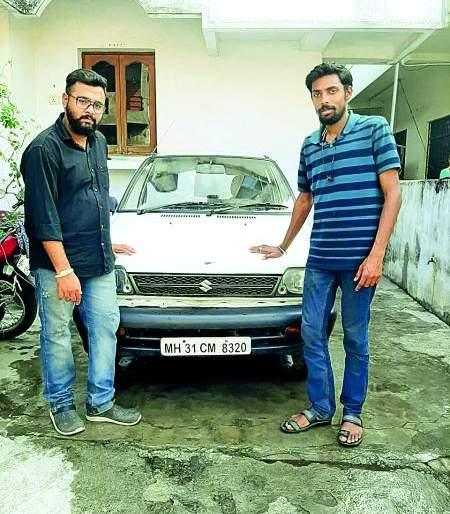 Electric cars made by two youths in Nagpur | नागपुरातील दोन तरुणांनी तयार केली इलेक्ट्रीक कार