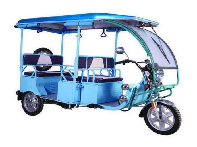'ENGLISH' sticks to e-rickshaw horses and reports in Matheran e-Rickshaw | 'इंग्रजी'मुळे अडले माथेरान ई-रिक्षाचे घोडे,अहवाल मराठीत सादर