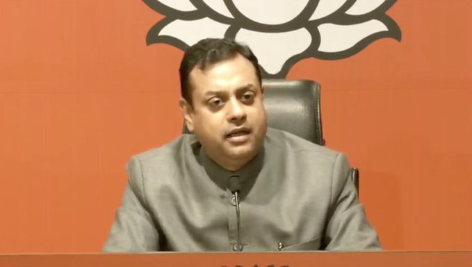 Sonia Gandhi, Sharad Pawar should apologize; BJP offensive against anti-Hindu statement | सोनिया गांधी, शरद पवारांनी माफी मागावी; हिंदूविरोधी वक्तव्यावरुन भाजपा आक्रमक