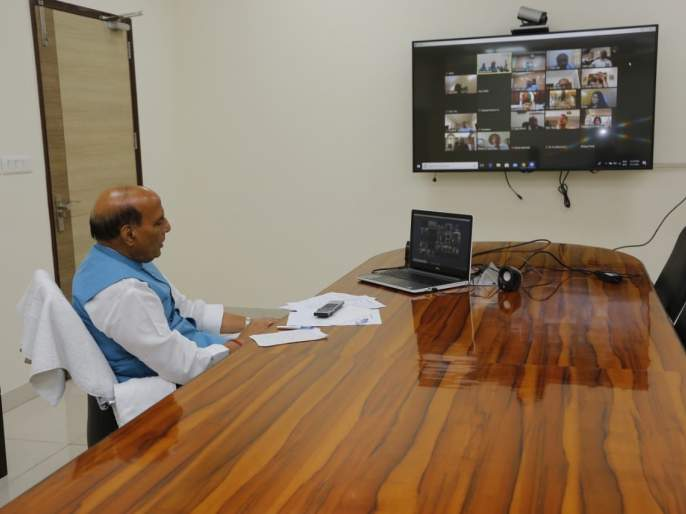 Coronavirus: CDS Bipin Rawat briefed Defence Minsiter Rajnath Singh About Preparedness Of Army For Corna Outbreak pnm | Coronavirus: कोरोनाविरुद्धच्या लढाईत भारतीय सैन्य सज्ज, संरक्षणमंत्र्यांना दिली माहिती; पाहा कशी केलीय तयारी?
