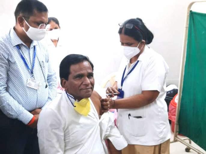 Raosaheb Danve appeals to the citizens to wear mask even after getting corona vaccine   कोरोनाची लस घेतली तरी मास्क लावा, रावसाहेब दानवेंचं नागरिकांना आवाहन