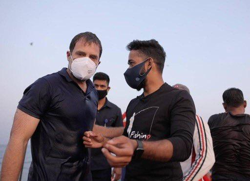Have you seen Rahul Gandhi's abs? Olympic champion vijender singh athletes are also appreciated | राहुल गांधींचे एब्स पाहिले का? ऑलिंपिक विजेत्या खेळाडूनंही केलंय कौतुक