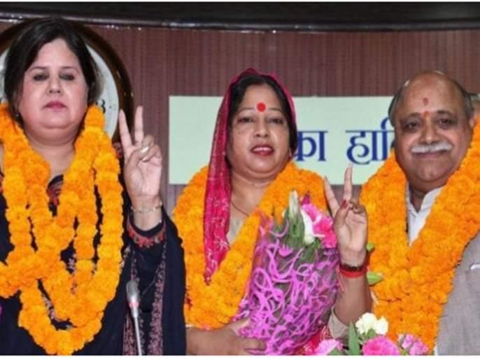 BJP joining Congress to stop AAP in Delhi | दिल्लीत 'आप'ला रोखण्यासाठी भाजपची काँग्रेसशी हातमिळवणी