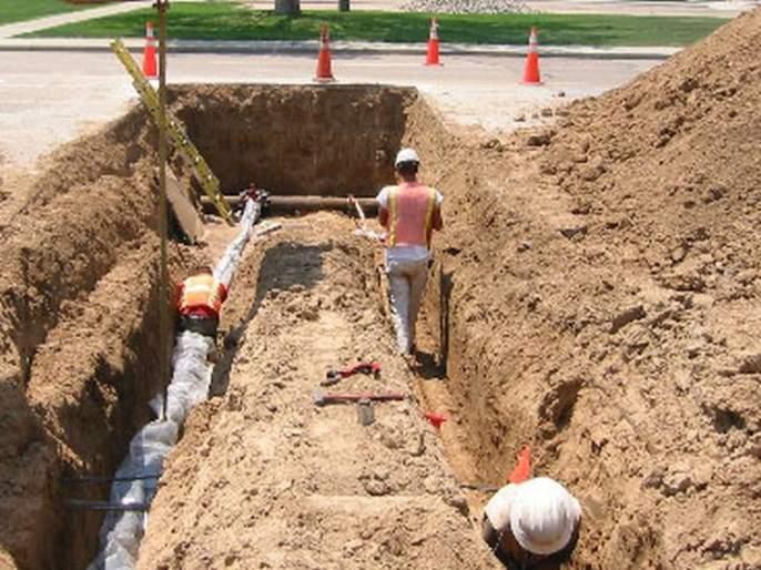 Four-G Case; deputy engineer's 'Setting' with contractor company | फोर-जी प्रकरणाला सुरुंग; कंत्राटी उपअभियंत्याची कंपनीसोबत 'सेटिंग'