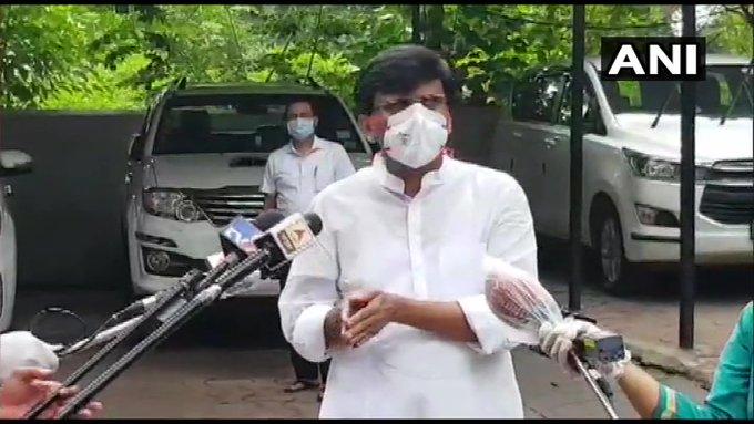 'Thackeray government' in danger ?; After Pawar's meeting, Shiv Sena Sanjay Raut Reaction pnm | 'ठाकरे सरकार' धोक्यात?; मुख्यमंत्री आणि शरद पवार भेटीनंतर शिवसेना नेते संजय राऊत म्हणाले...