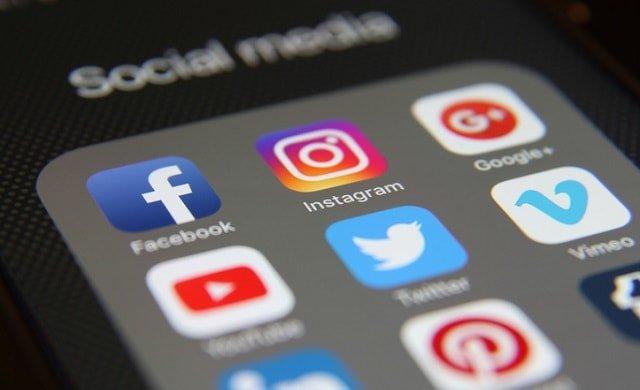 Facebook, Instagram Down: Difficulties logging in users | Facebook, Instagram Down: फेसबुक, इन्स्टाग्राम डाऊन; युजर्संना लॉग इन करताना अडचणी
