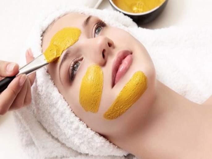 Homemade mango face mask solved pimple problem | त्वचेसाठी फायदेशीर ठरतो आंबा; पिंपल्स दूर करण्यासोबतच होतात अनेक फायदे