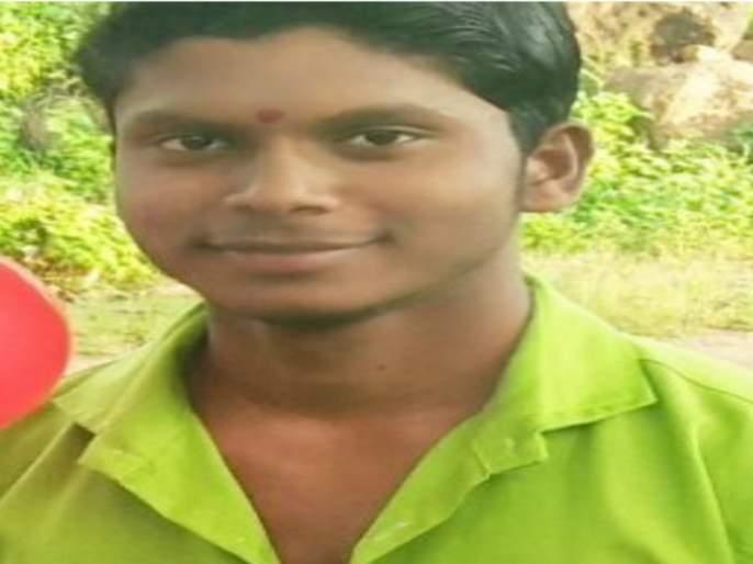 Farmer's son commits suicide due to loan | कर्जाचा डोंगर असहाय्य झाल्याने शेतकऱ्याच्या मुलाची आत्महत्या