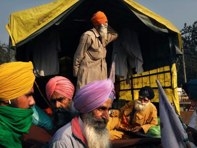 Farmers protest: will go on hunger strike tomorrow; Appeal made to the countrymen | Farmers protest: कडाक्याच्या थंडीत आंदोलक शेतकऱ्यांचे उद्या उपोषण; देशवासियांना केले आवाहन