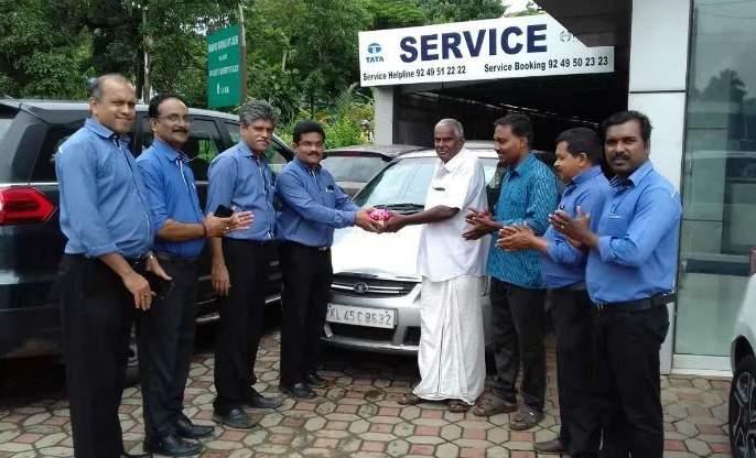 Surprise ... Tata's Indica car runs at 5.85 lakh km without engine work | आश्चर्य...टाटाची इंडिका कार तब्बल 5.85 लाख किमी चालली