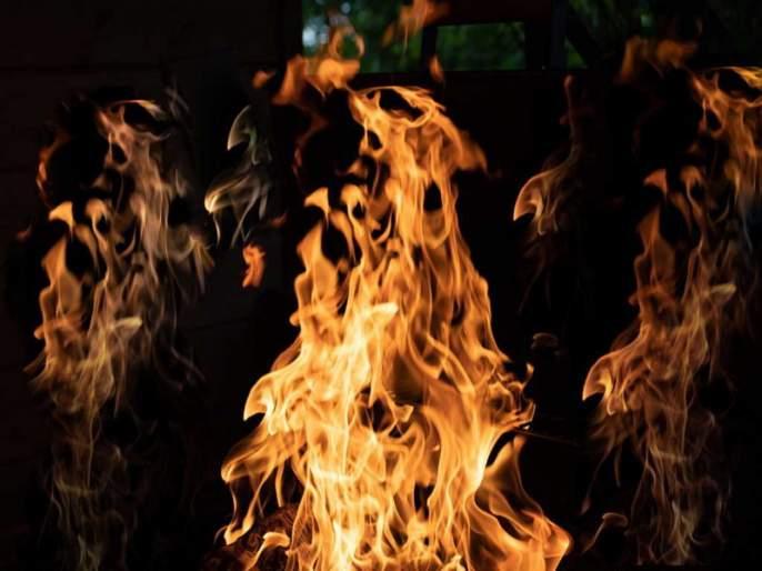 fire to clinic due to short circuit in Pimpri | शाॅर्टसर्किटमुळे क्लिनिकला आग;पिंपरीतील घटना
